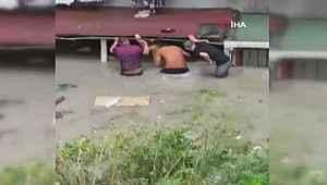 Selde bodrum katta mahsur kalan 3 çocuk böyle kurtarıldı