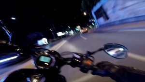 Şişli'de motosikletlinin takla attığı feci kaza kamerada