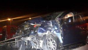 Sivas'ta yolcu otobüsüyle hafif ticari araç çarpıştı: 6 yaralı