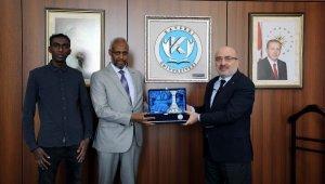 Somali Büyükelçiliği Kültür Ataşesi, Kayseri Üniversitesi Rektörünü Ziyaret Etti