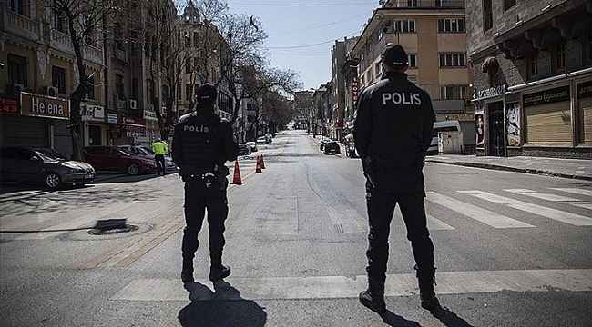 Son dakika: İstanbul, Ankara, Bursa ve İzmir olmak üzere 15 ilde hafta sonu sokağa çıkma yasağı ilan edildi