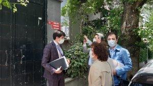 Soner Yalçın'ın villasına gelen Çevre ve Şehircilik Bakanlığı ekipleri kapıda kaldı