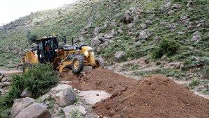 Talas'ta kırsala hizmet yağıyor