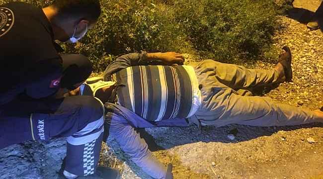 Tarsus'ta traktörün altında kalan şahıs yaralandı
