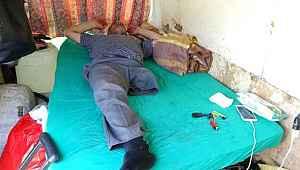 Tek bacaklı adam minibüste yaşıyor - Bursa Haberleri