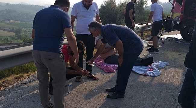 TEM'de tır tıra çarptı, sürücüler yaralandı