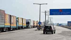 Türkiye, İran hariç tüm komşularına sınır kapılarını açtı