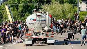 Yüzlerce insanın üzerine tankeri sürdü, savunmasıyla milletin aklıyla alay etti