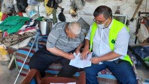 76 yaşındaki engelli yaşlı adamın su aboneliği evinde yapıldı
