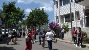 Adalarda kıyıların halka kapatılması protesto edildi