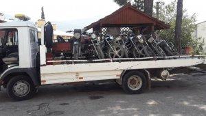 Adana'da çalınan motosikletler Kozan'da bulundu
