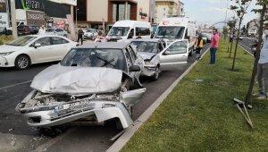 Aksaray'da 5 araçlı zincirleme trafik kazası: 9 yaralı