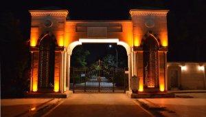 Aksaray'da Ervah Kabristanı girişine ışıklandırma sistemi
