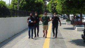 Antalya'da kargo yoluyla uyuşturucu hap sevkiyatı polise takıldı