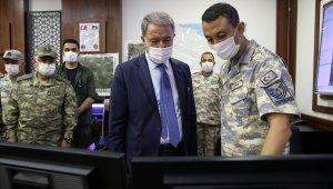 Bakan Akar, Libyalı askerlerle biraya geldi