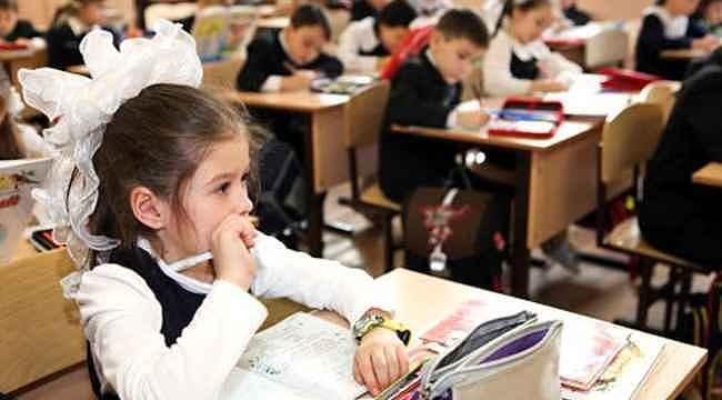 """Bakan Koca, """"Yeni dönemde okullar açılacak mı?"""" sorusuna yanıt verdi"""