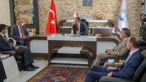 Bakan Yardımcısı Aksu, Yahyalı Belediyesi'ni ziyaret etti