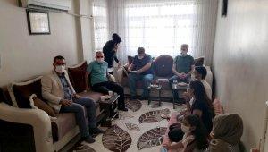 Başkan Gezer ev ziyaretlerini sürdürüyor