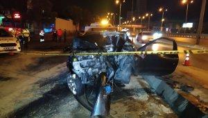 Otomobil tabela direğine çarptı: 4 yaralı