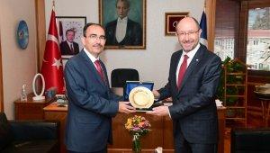 Bilecik Şeyh Edebali Üniversitesi Rektörü Prof. Dr. Şükrü Beydemir'den Rektör Erdal'a hayırlı olsun ziyaret