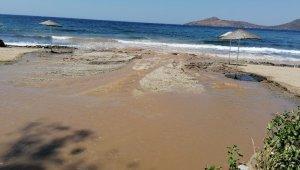 Bodrum'da isale hattı patladı tonlarca su boşa aktı
