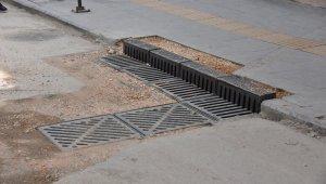 Bordür tipi yağmur suyu ızgaralarıyla su baskınlarındaki zarar en aza indirilecek