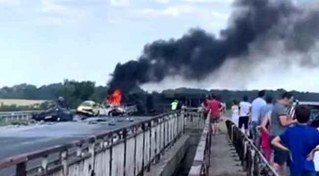 Bulgaristan'da tır 5 aracı biçti: 6 ölü, 5 yaralı