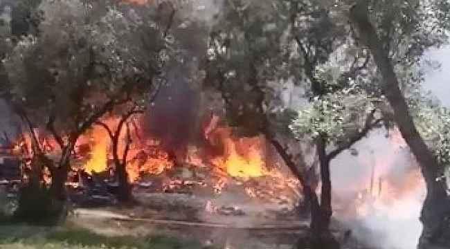 Bursa'da 4 ev alevlere teslim oldu, 2 itfaiye eri zehirlendi - Bursa Haberleri