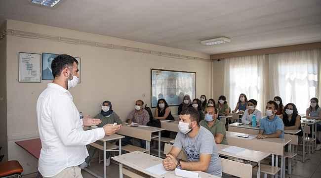 Büyükşehir Belediyesinin kursuna katılan 124 genç ilk 50 bine girdi