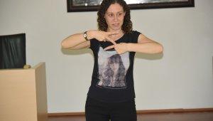 Çorlu Belediyesi personeline işaret dili eğitimi