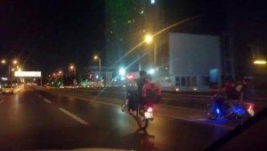 D-100 Karayolunda motosiklet sürücülerinin tehlikeli oyunu