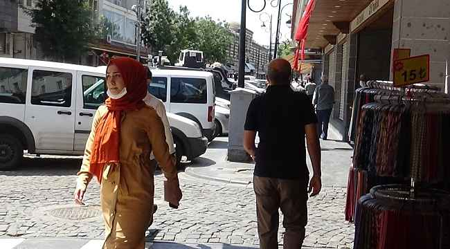 Diyarbakır'da esnaf, maske takmayanlara tepki gösterdi: