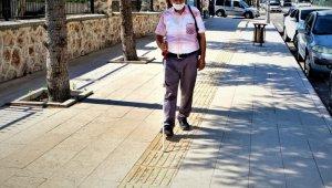 Elazığ'da kaldırımlar, görme engelliler için uygun hale getiriliyor