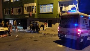 Esenler'de apartmanın merdiveni çöktü: 1 yaralı