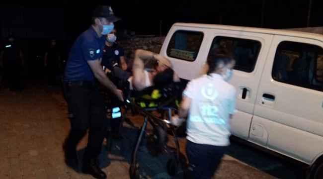 Çıkmaz sokakta iki erkek şahıs silahla vurulmuş halde bulundu