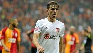 Fenerbahçe'nin gündemindeki Mert Hakan, 6 maçtır gol ve asist katkısı yapamıyor