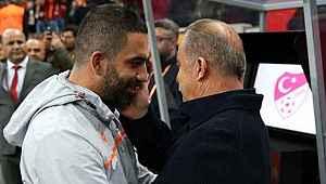 Galatasaray yönetimi Arda Turan'a sıcak bakmıyor