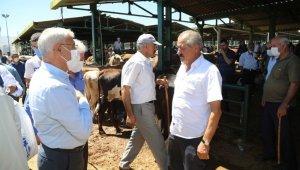 Güder, hayvan pazarını ziyaret etti