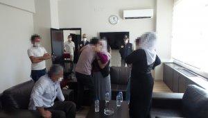Güvenlik güçlerine teslim olan örgüt mensubu ailesine teslim edildi