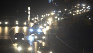 Hafta sonu tatilcileri 43 ilin geçiş güzergahında trafiğe takıldı