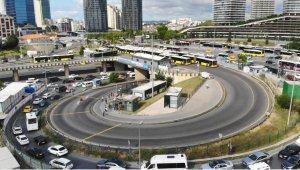 İBB Zincirlikuyu Metrobüs Mescidinin kapısına kilit vurdu