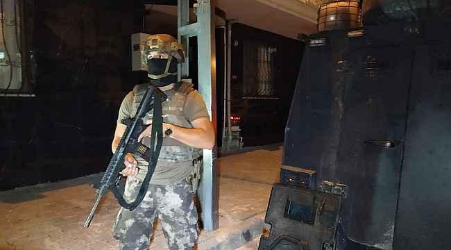 İstanbul'da gece yarısı çok sayıda adrese terör operasyonu