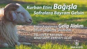 """İzmir'de belediyeden """"askıda kurban"""" kampanyası"""