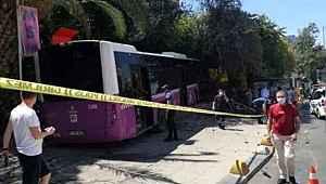 Kadıköy'de freni patlayan otobüs, iş yerine daldı: Yaralılar var