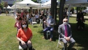 Kadıköy'de sosyal mesafeli 'açık hava nikahları' kıyılmaya başlandı