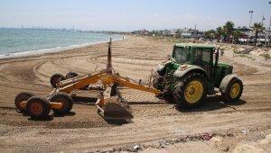 Karaduvar sahili, çöp ve atıklardan arındırıldı