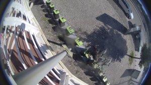 Kiralık bisikletlere zarar veren şahıslar güvenlik kamerasına yakalandı