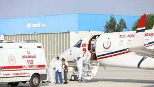 Kırgızistan'da korona virüse yakalanan 4 kişi Türkiye'ye getirildi