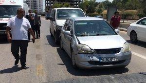 Kırıkkale'de üç aracın karıştığı kazada 1 kişi yaralandı