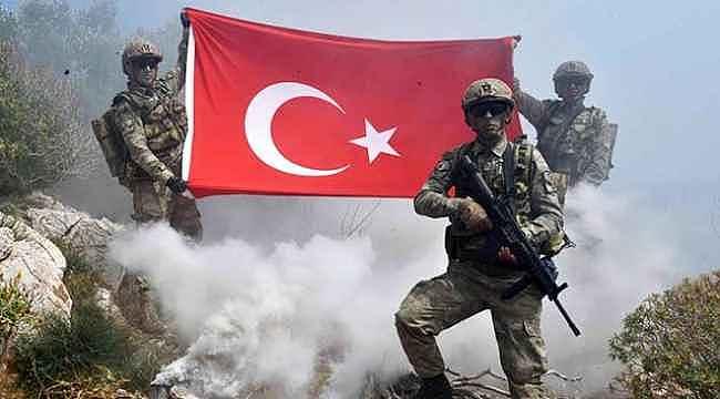 Komandolar, PKK'nın önemli kampını kısa sürede ele geçirdi